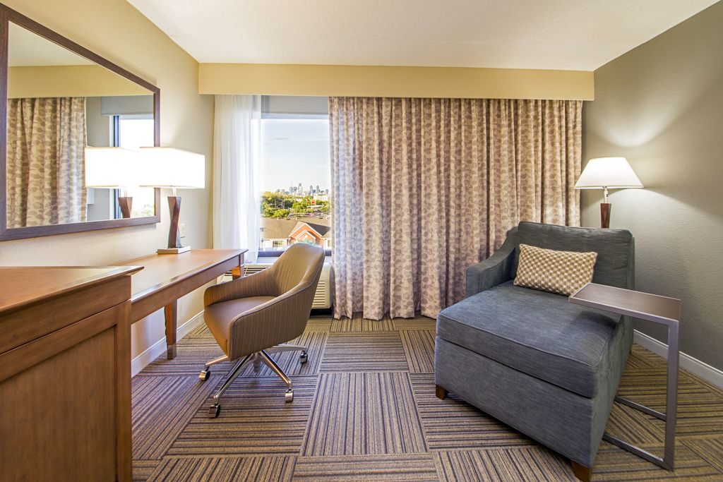 Hampton Inn Philadelphia Airport - Forever Young Scheme - Guest Room Lounge Chair, task chair, carpet tile, c-table